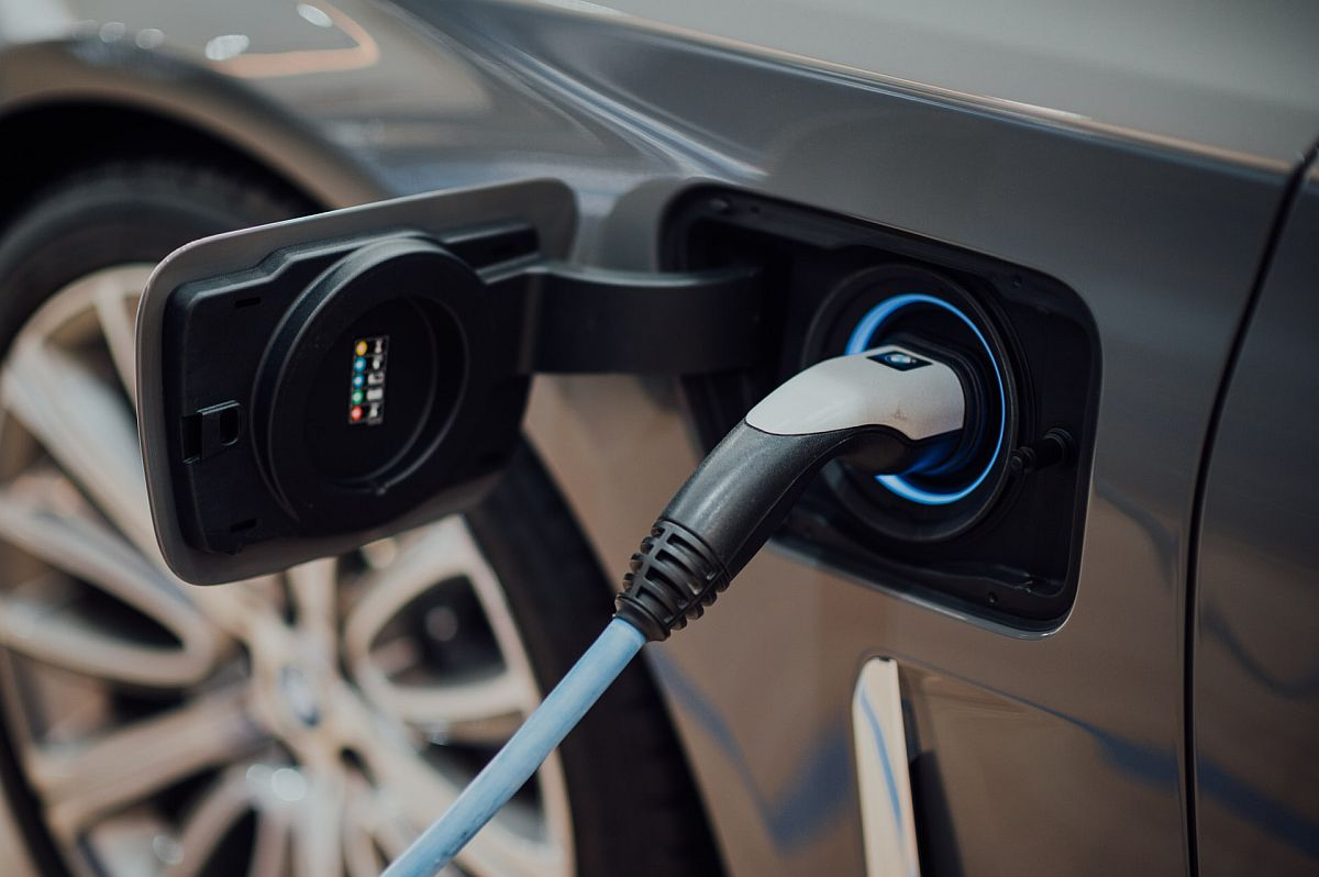 electric vehicle charging system, carbon offsetting for eCommerce concept